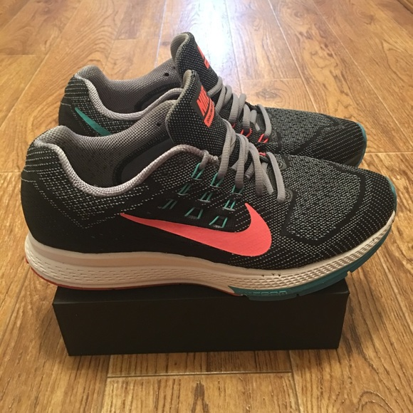 release date: 1dc7f 9844b  Nike  Zoom Structure 18 Women Running Shoe (Used).  M 5a5ea4c15512fd91df488d29